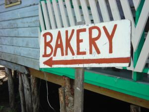 utila-town-honduras-vacations-bakery-sign